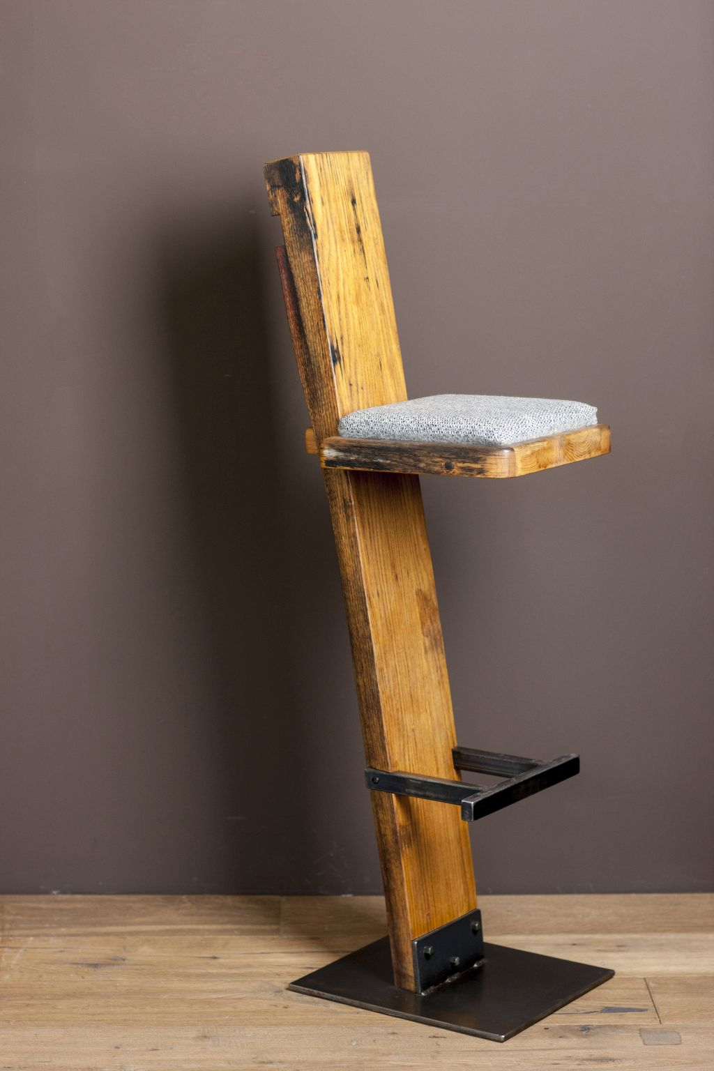 Moderne barhocker design free der barhocker lem ist ein for Moderne barhocker edelstahl